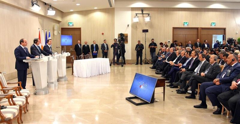 انعقاد القمة الثلاثية بين السيد الرئيس والرئيس القبرصي
