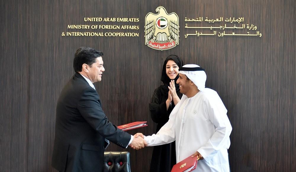 الإمارات وهندوراس توقعان مذكرة تفاهم للإعفاء من التأشيرات