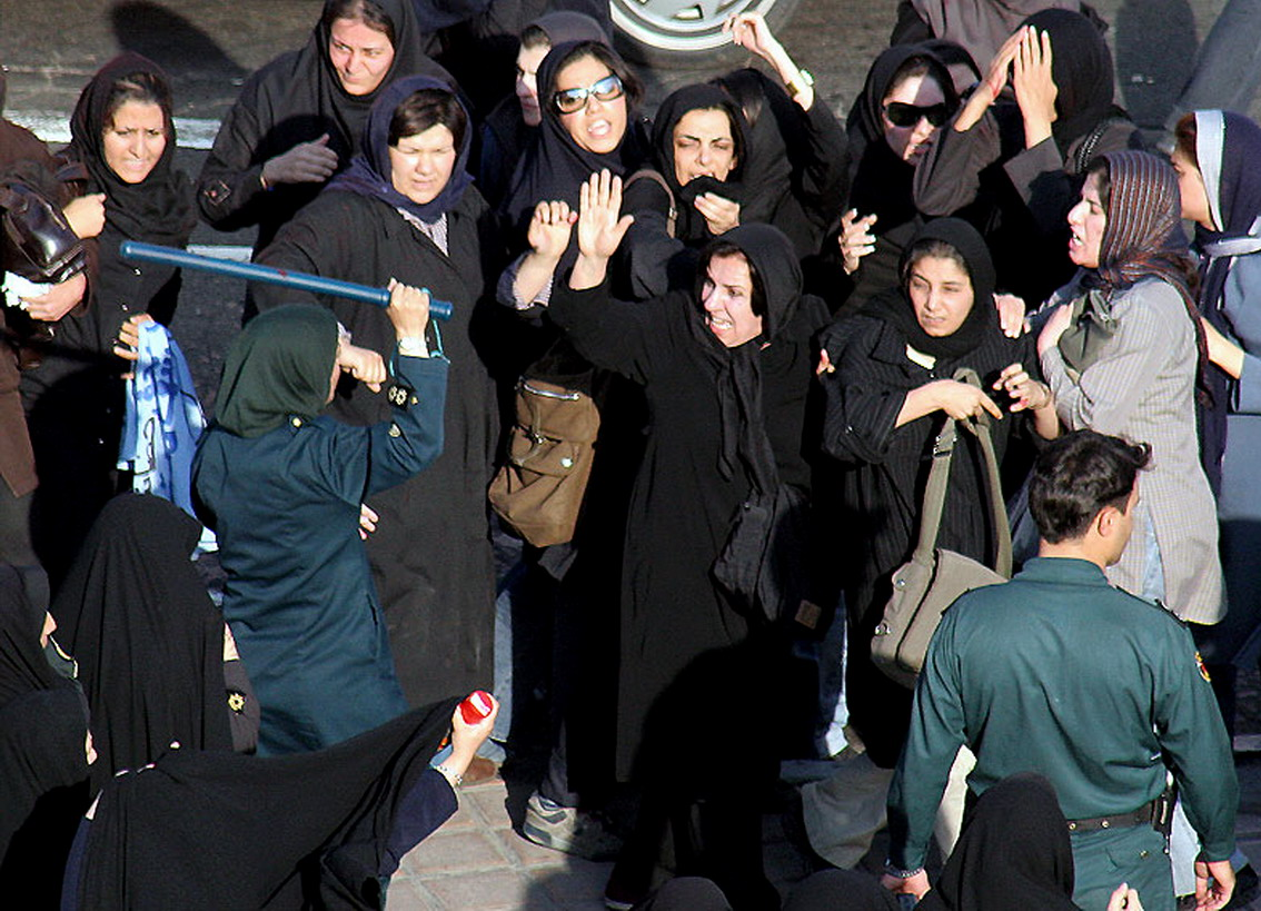 احتجاجات نسائية في إيران