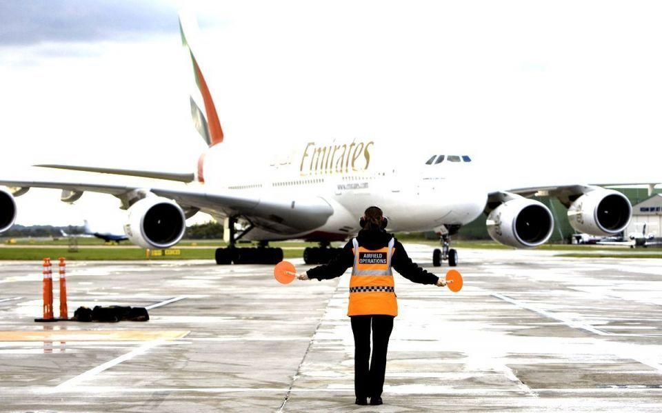 طيران الإمارات والاتحاد توقعان أول اتفاقية لتبادل المعلومات