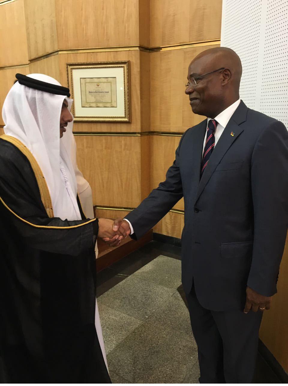 الدكتور راشد العفاري  يلتقى بوزير الخارجية والتعاون في موزمبيق