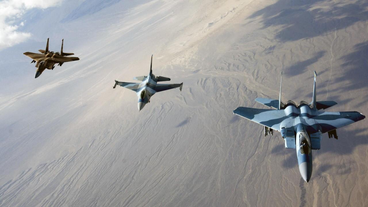 مقاتلات حربية