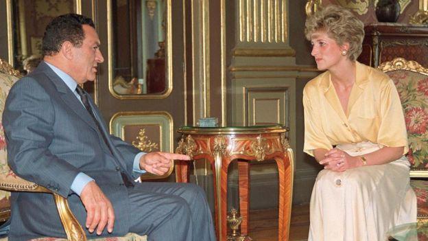 مبارك والأميرة ديانا (صورة أرشيفية)