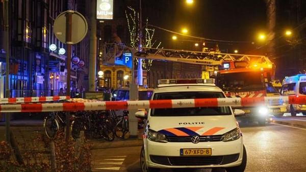 الشرطة الهولندية تطوق موقع الحادث