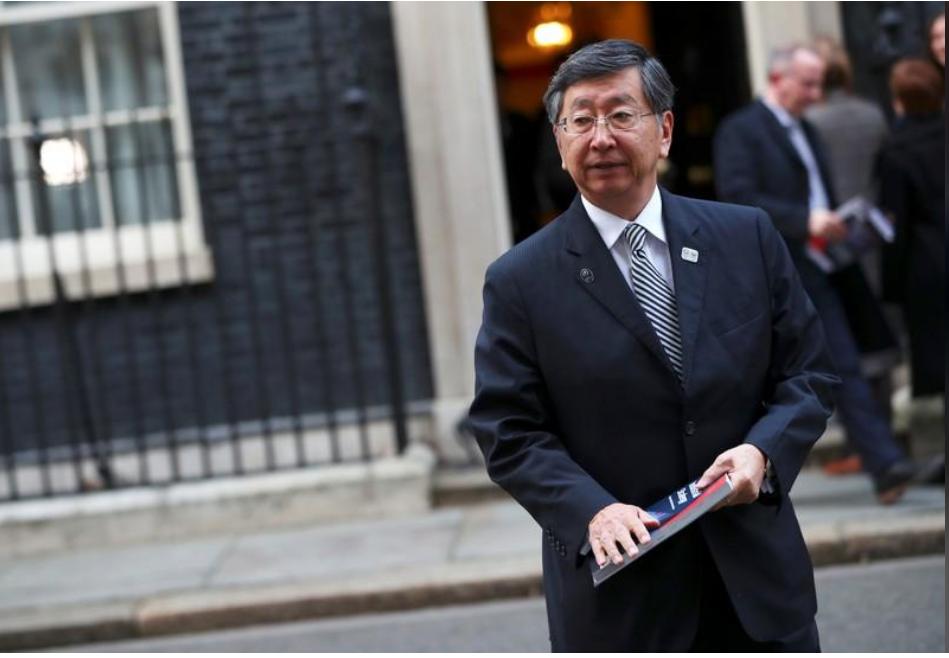 السفير الياباني في لندن كوجي تسوروكا