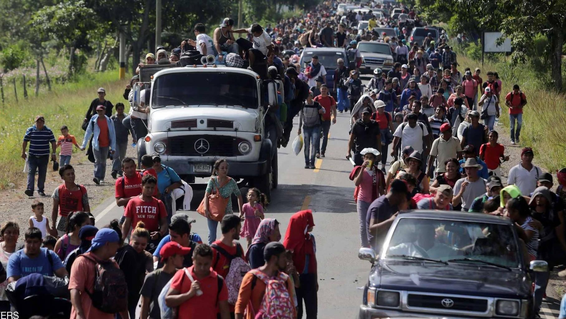 قافلة المهاجرين تتحدى ترامب