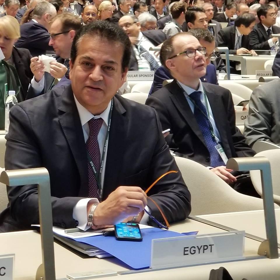 خالد غبد العزيز وزير التعليم المصري