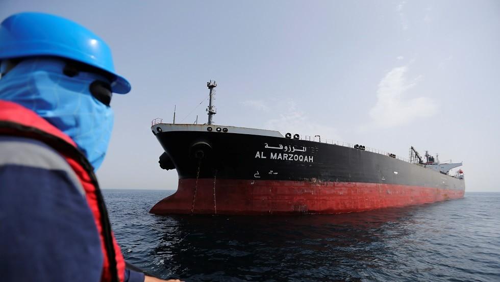 احدى السفن التى تعرضت لعمليات التخريب