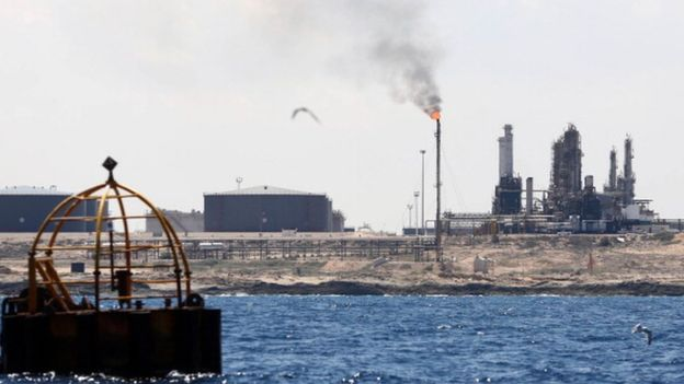 إيطاليا تفكك شبكة لتهريب الديزل من ليبيا إلى أوروبا