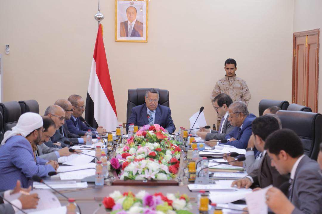 رئيس الحكومة خلال اجتماعها اليوم