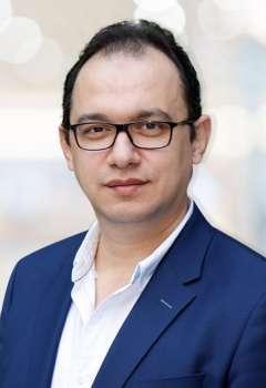 الكاتب محمد منير