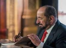 حاكم الشارقة يدشن إصداراته بالنسخة الفرنسية