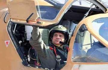 الرئيس السيسي في احدي الق،اعد الجوية المصرية
