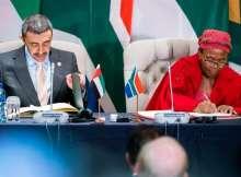 عبدالله بن زايد خلال ترؤسه أعمال اللجنة المشتركة بين الإمارات وجنوب أفريقيا