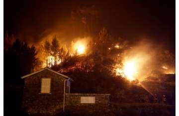 ارتفاع عدد ضحايا حرائق كاليفورنيا إلى 71 قتيلاً