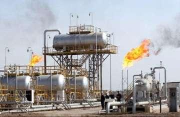 ارتفاع النفط دولاراً للبرميل بعد انخفاضه 6%