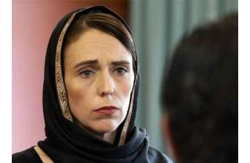 رئيسة وزراء نيوزيلندا ترتدي الحجاب تضامنا مع ضحايا العمل الإرهابي
