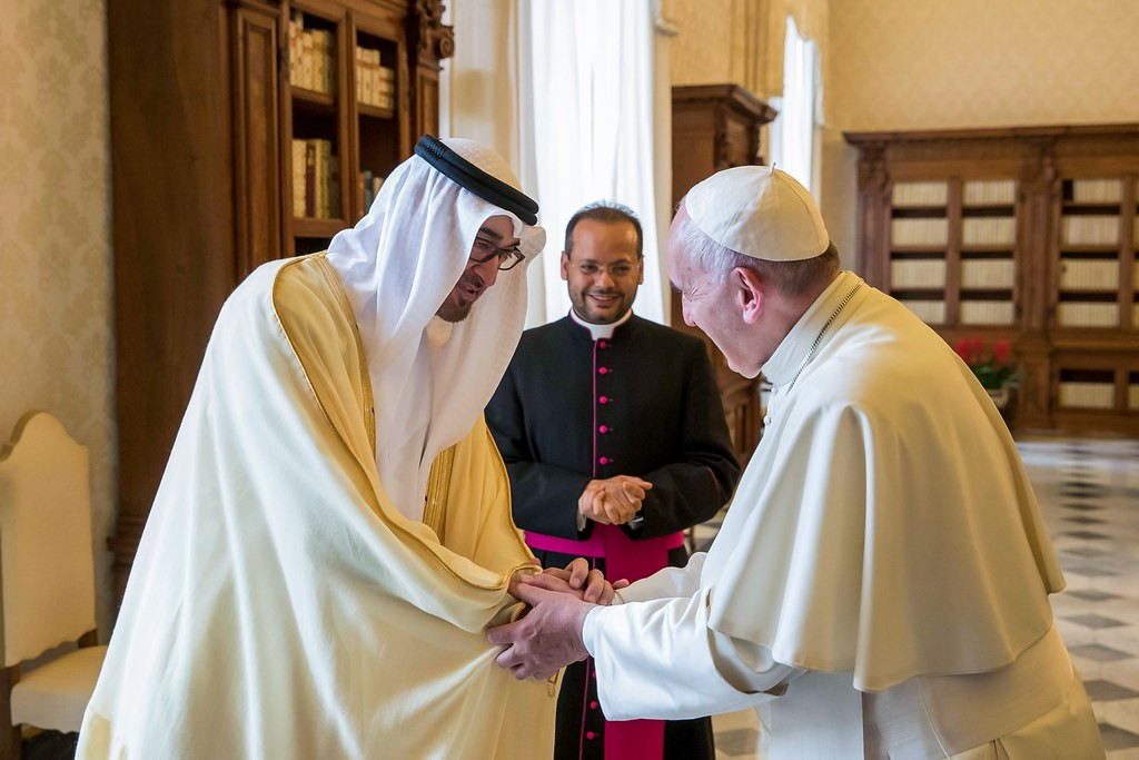 بابا الفاتيكان وبن زايد