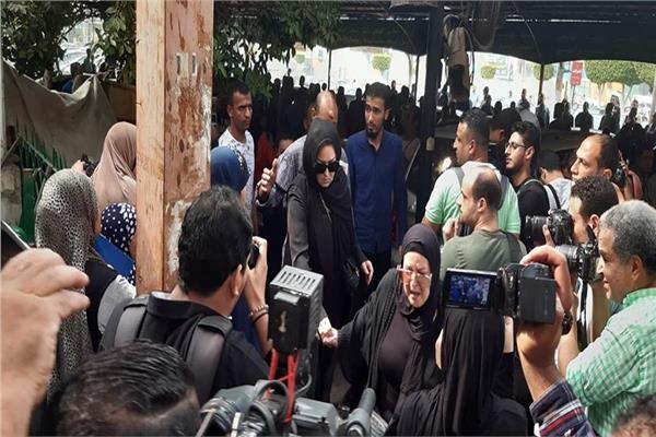 بعد 43 يوما في العزل.. وفاة أول فنانة مصرية بفيروس كورونا