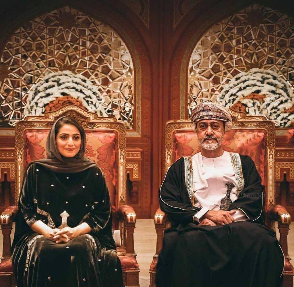 سلطان عمان والسيدة الجليلة