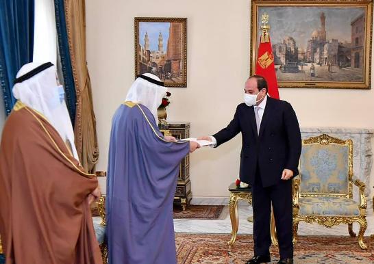 السيسي يتسلم رسالة أمير الكويت