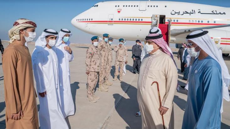وصول ملك البحرين للإمارات