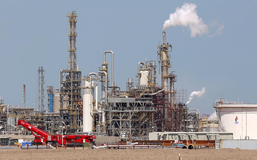 السيطرة على حريق اشتعل في حقل برقان النفطي