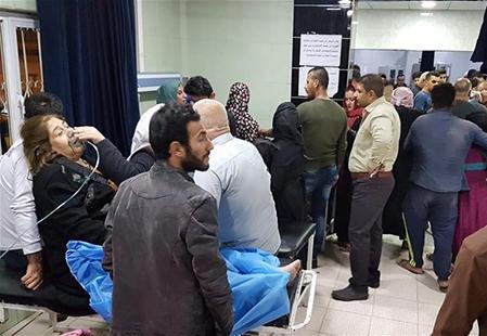 مصابي زلزال العراق باحدى المستشفيات