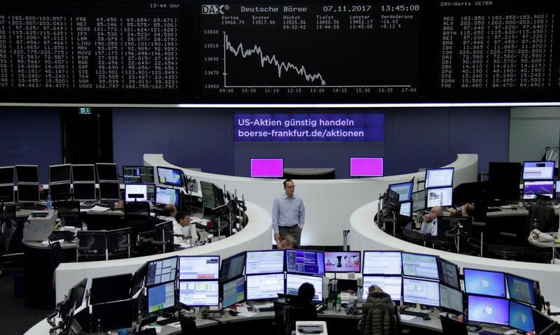 تراجع أسهم السلع الأولية يقود أسواق أوروبا إلى أدنى مستوى في 8 أسابيع