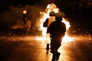 اشتباكات عنيفة باليونان