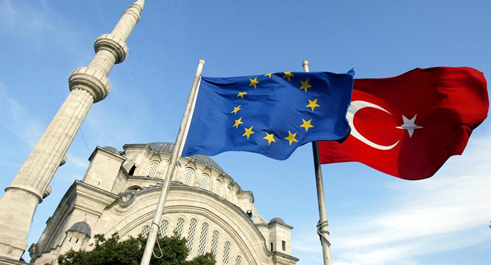 الاتحاد الأوروبي يخفض التمويل المخصص لتركيا