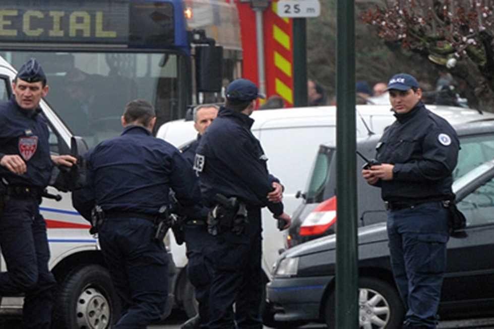 مجموعة من عناصر الشرطة الفرنسية (أرشيفية)