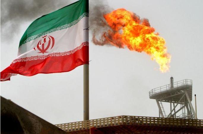 منصة إنتاج نفط في إيران