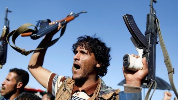 عناصر من ميليشيا الحوثي في اليمن