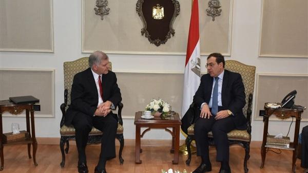 وزير البترول المصرى مع رئيس