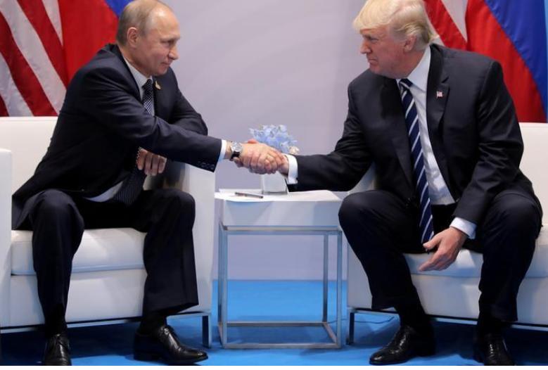 دونالد ترامب والرئيس الروسي فلاديمير بوتين