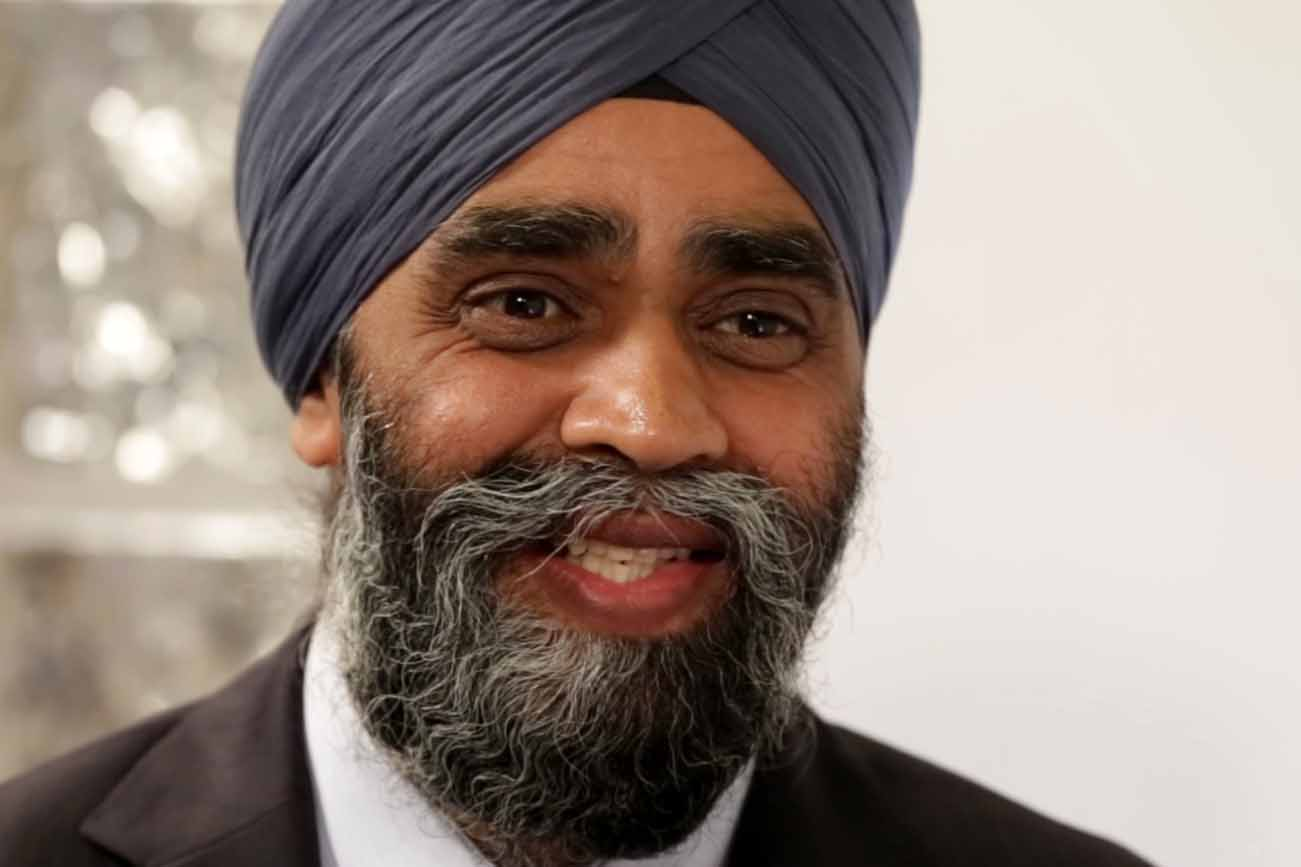 وزير الدفاع الكندي
