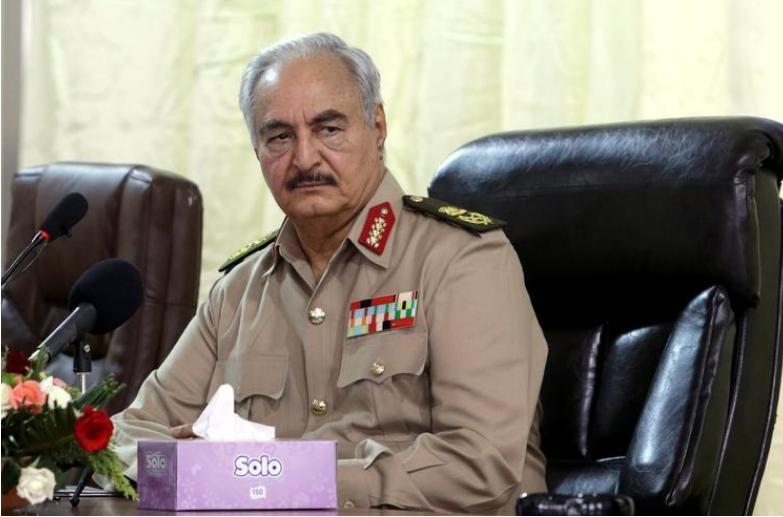 القائد العسكري بشرق ليبيا خليفة حفتر صورة أرشيفية