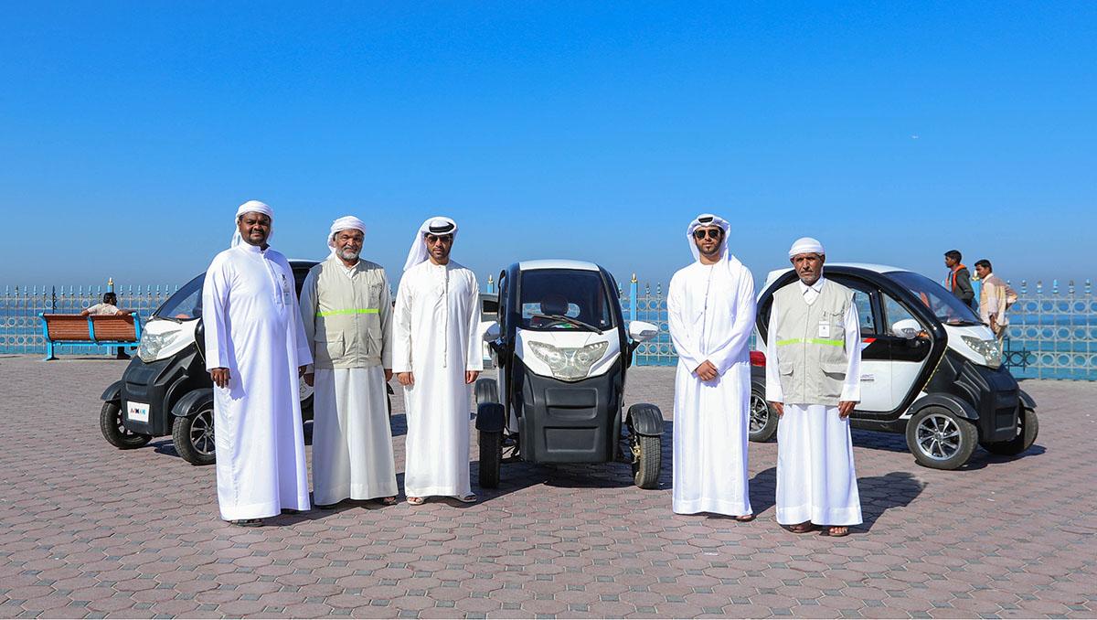 مركبات صديقة للبيئة في الأماكن السياحية بعجمان .