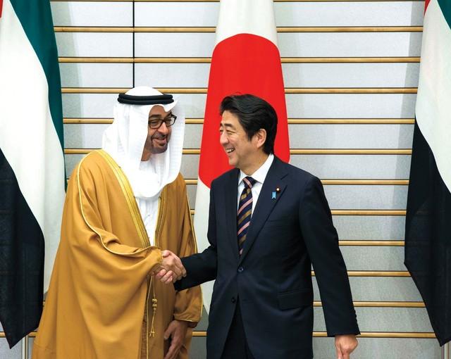 الشيخ محمد بن زايد ورئيس الوزراء اليابانى - أرشيفية