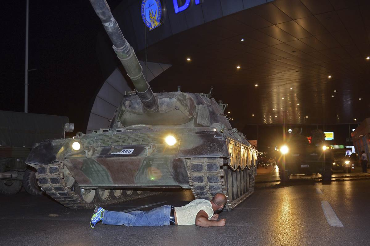 محاولة انقلاب عسكري بتركيا - أرشيفية