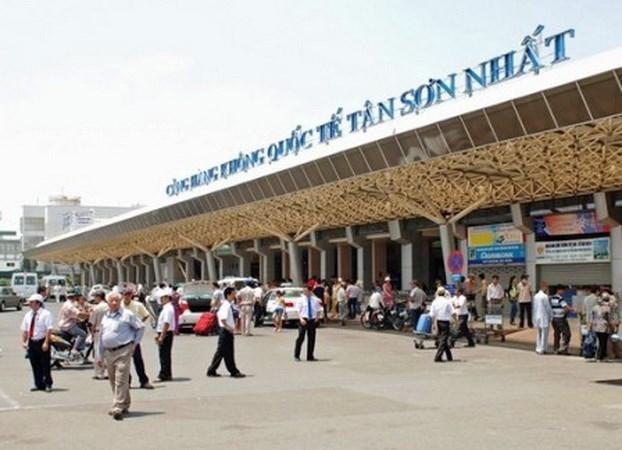 مطار تان سون نهات
