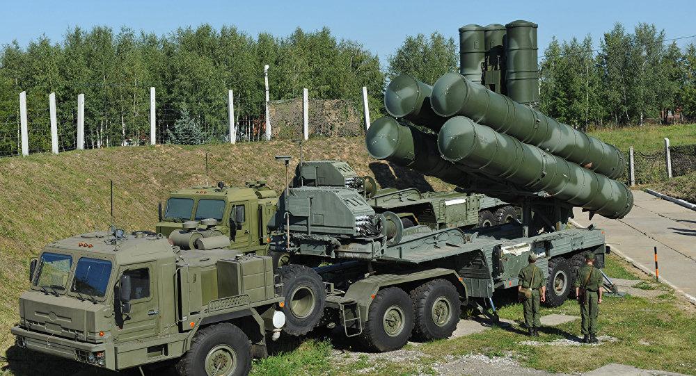 بطاريات صواريخ إس-400