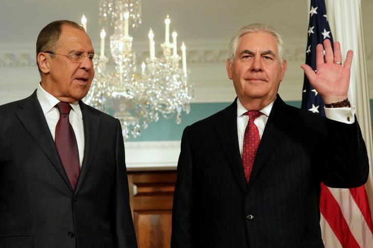 وزير الخارجية ريكس تيلرسون ونظيره الروسي سيرجي لافروف