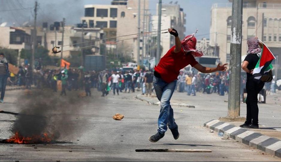 تظاهر مئات الفلسطينيين في شوارع غزة
