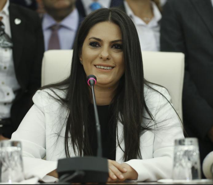 وزيرة العمل التركية جوليدة صاري آر أوغلو
