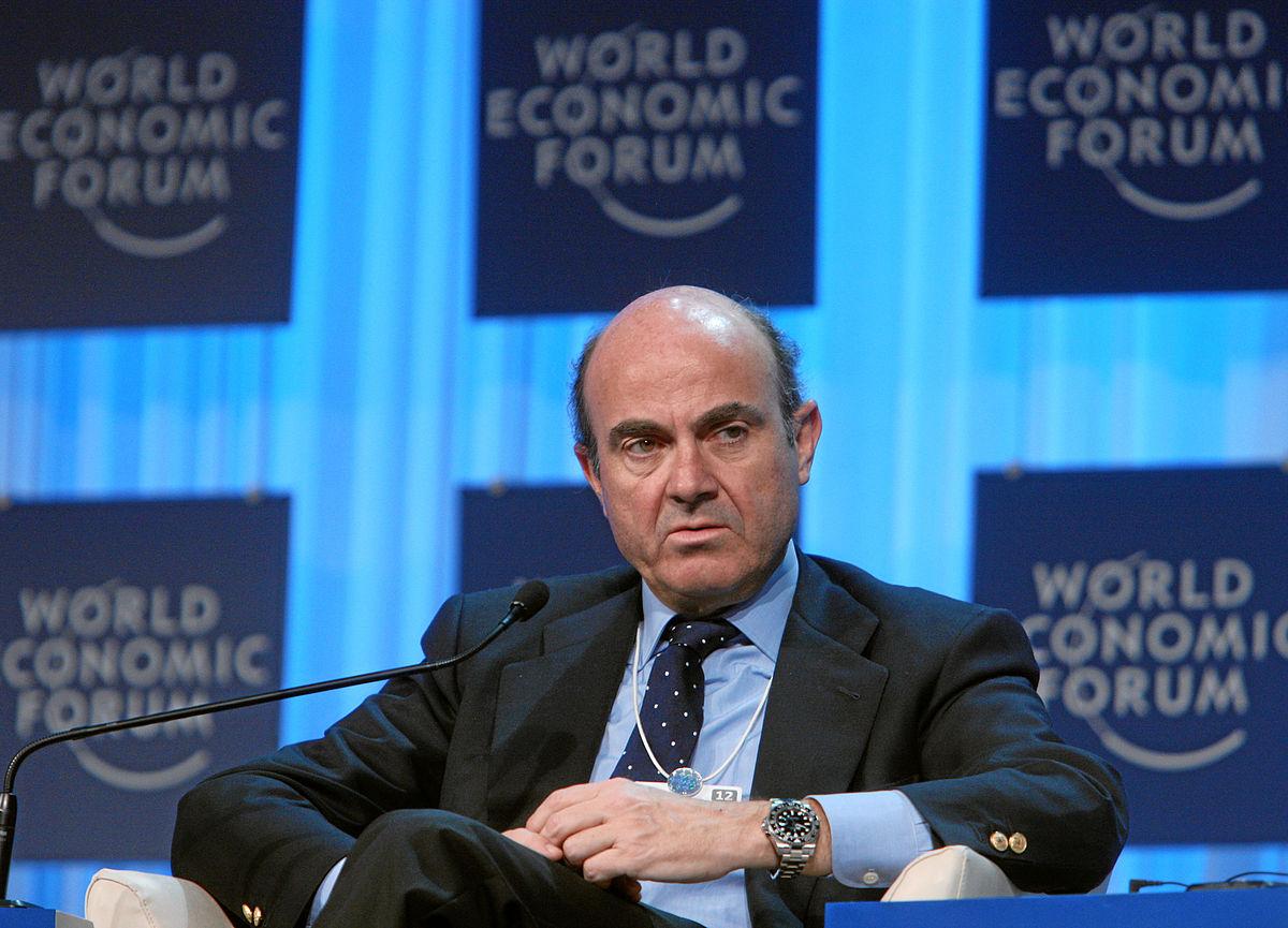 وزير الاقتصاد الأسباني لويس دي جويندوس