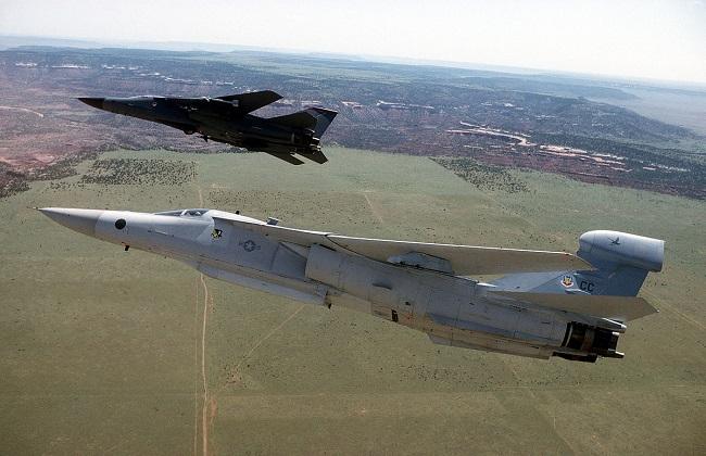 طائرات حرب إلكترونية