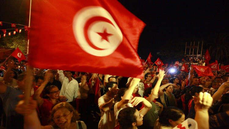 الشرطة التونسية تستخدم الغاز لتفريق احتجاجات ضد الغلاء