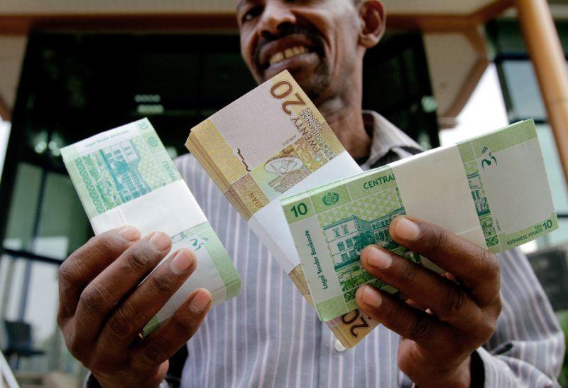 الجنيه السوداني يواصل مسلسل الهبوط أمام الدولار
